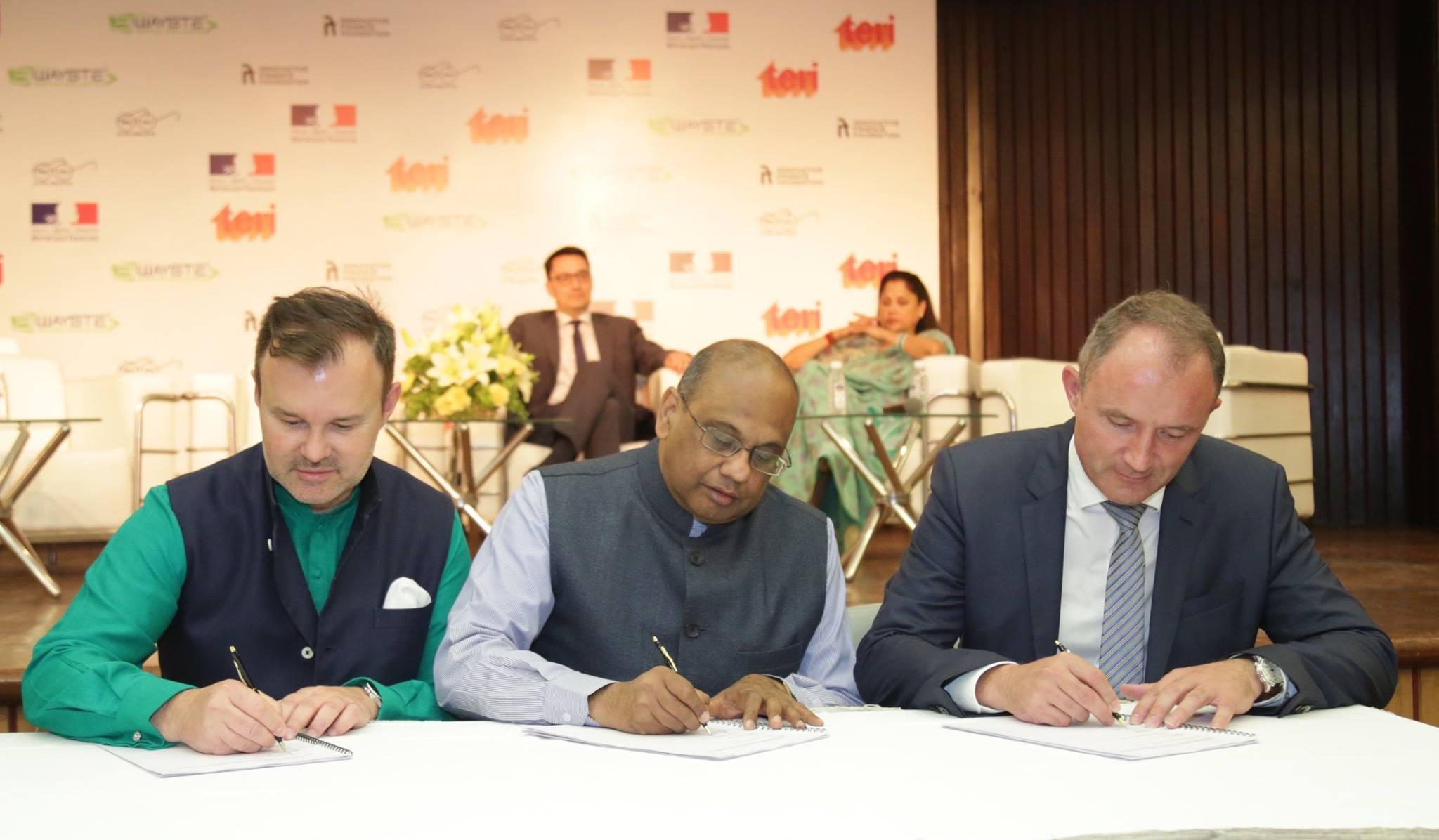 Signature d'une convention entre la startup 3Wayste, l'Innovative