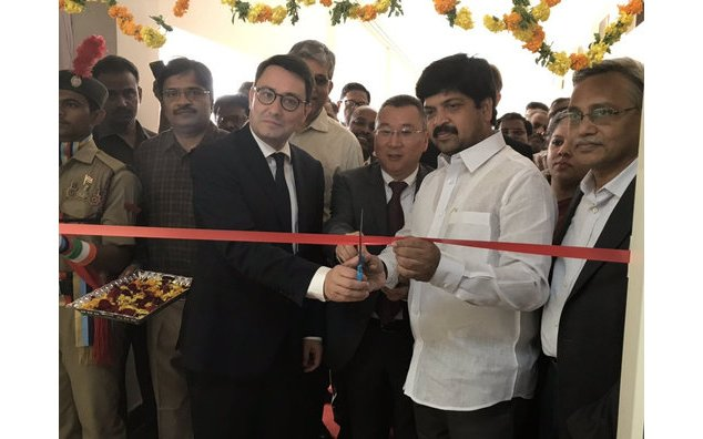 Ambassador inaugurates with Shri Kollu Ravindra the excellence center of Dassault3DS in Andhra Pradesh. This center aims at hosting 1 Lakh students in 2021. They'll design the industry of tomorrow thanks to the 3D.